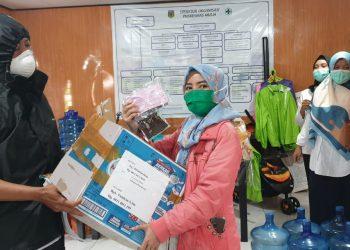 Sekda Puncak Jaya bagi 1000 masker